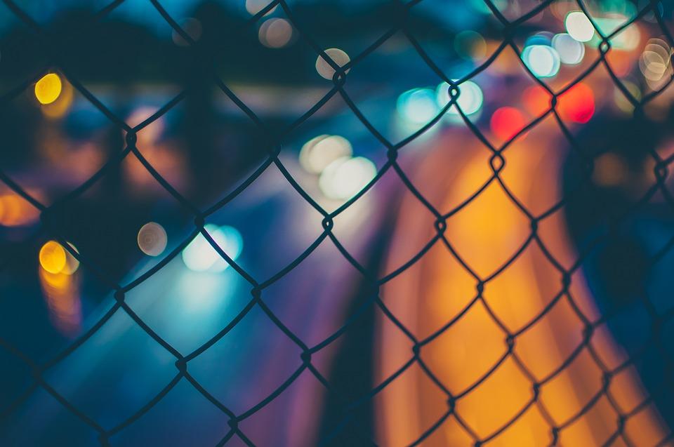 Coraz częściej proponowane są ogrodzenia plastikowe
