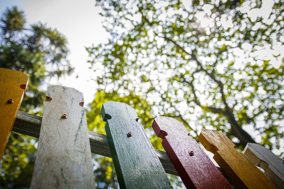 Błyskawiczny jest montaż ogrodzeń panelowych
