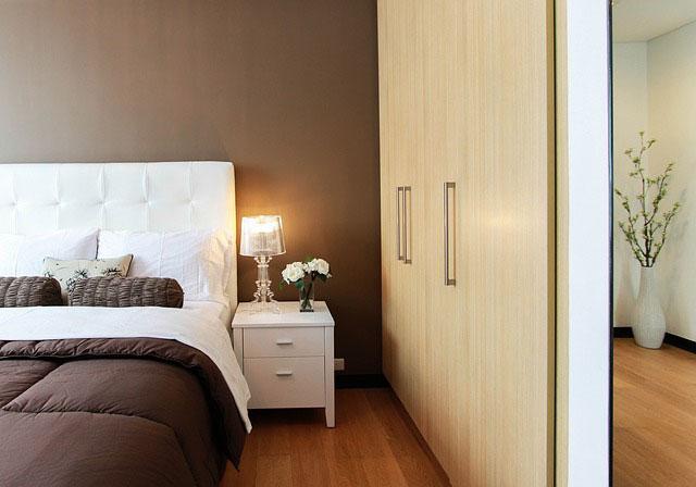 Na co zwrócić uwagę, kupując lampę do sypialni?